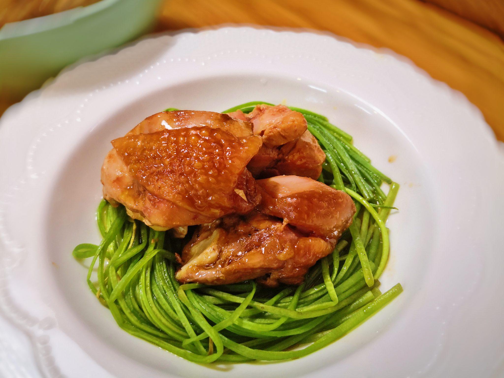 水蓮佐麻油雞